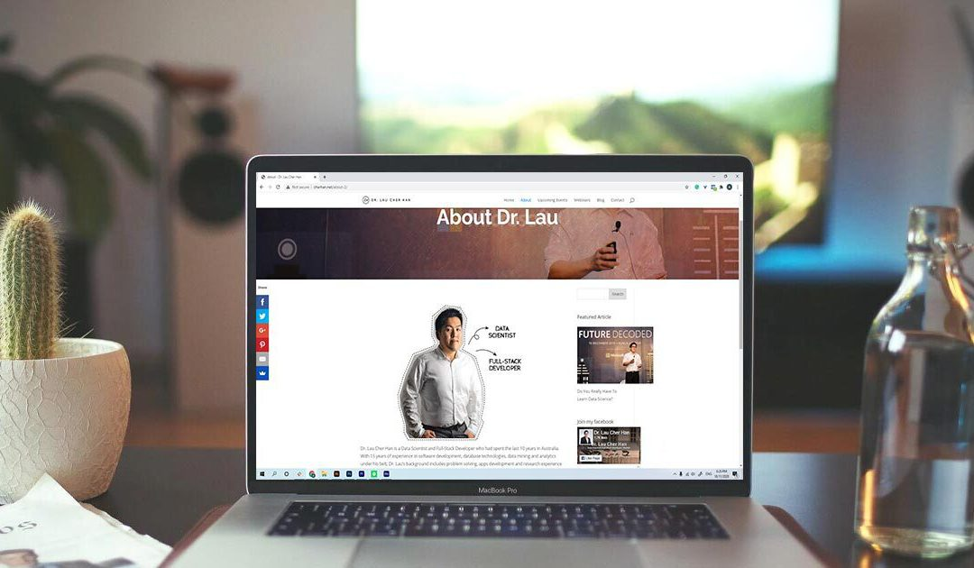 Build a Web Portfolio that Gets You Hired – Instantly.